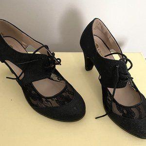 Beautiful Shoes-Size 8.5 Chase & Chloe Brand 👠